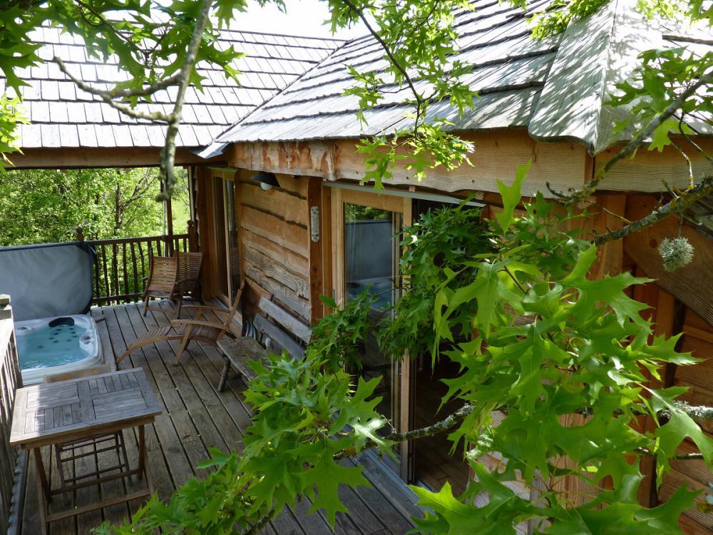 maison dans les arbres paca cabane de jardin en agglo orleans des soufflant cabane en palette. Black Bedroom Furniture Sets. Home Design Ideas