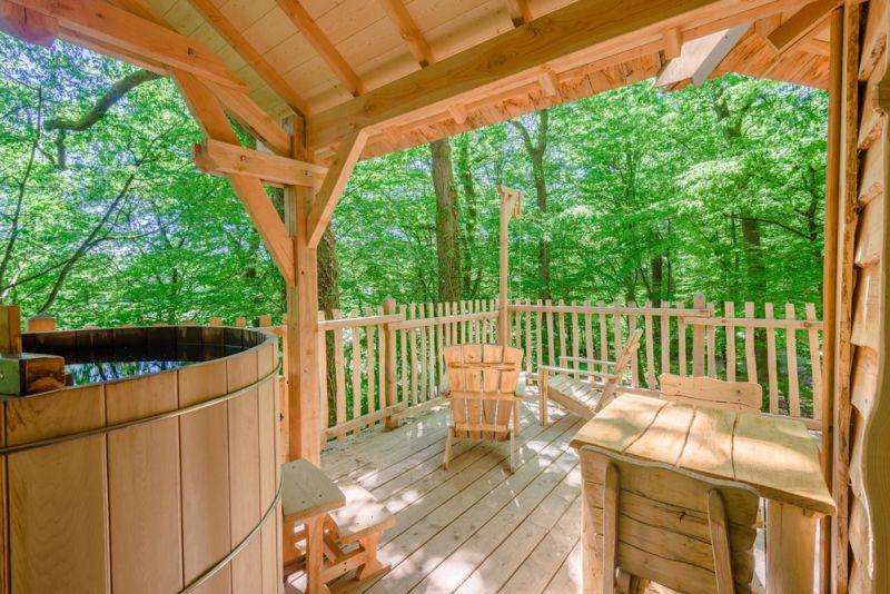 cabanes dans les arbres dormir dans les arbres. Black Bedroom Furniture Sets. Home Design Ideas